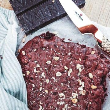 Brownie med nødder - Opskrift på skøn chokolade brownie