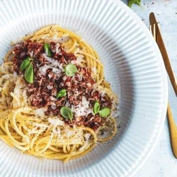 Spaghetti bolognese - Opskrift på den bedste kødsauce