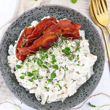 Hjemmelavet hønsesalat - Opskrift på klassisk hønsesalat