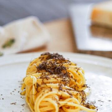 Pasta med frisk trøffel - Opskrift på cremet trøffel pasta