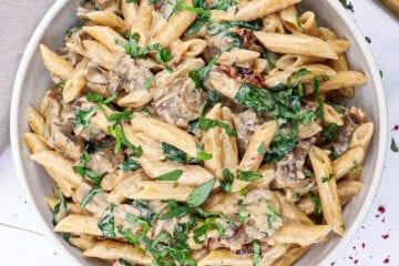 Pasta med oksemørbrad - Opskrift med svampe og mascarpone
