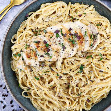 Cacio e pepe med kylling - Opskrift på klassisk cacio e pepe