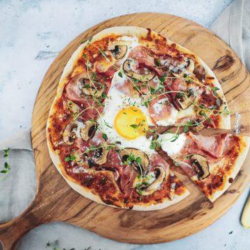 Opskrift på pizza bismarck
