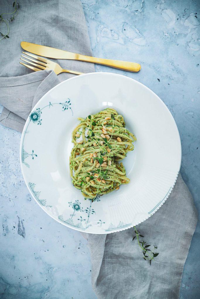 Opskrift på den bedste pasta med hjemmelavet pesto