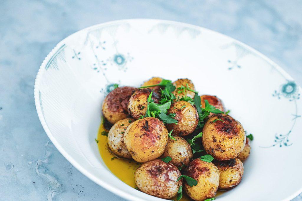 Opskrift på små kartofler med krydderurter
