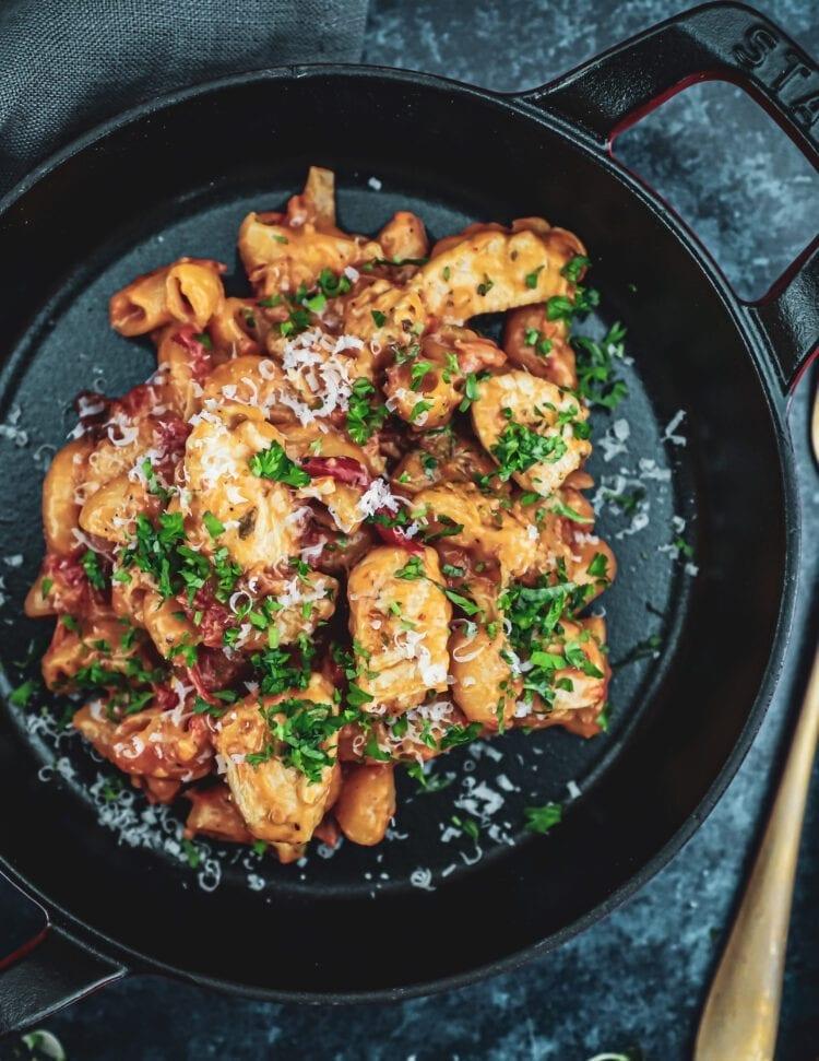 One pot pasta - Opskrift på cremet one pot pasta med kylling