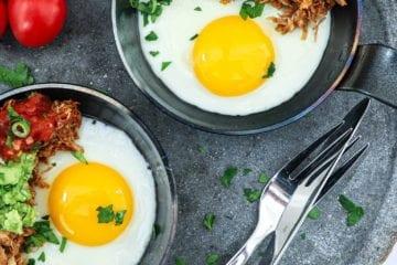 Sund morgenmad - Opskrift på spejlæg med mexicansk kylling