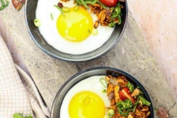 Sund morgenmad - Opskrift på spejlæg med pulled pork