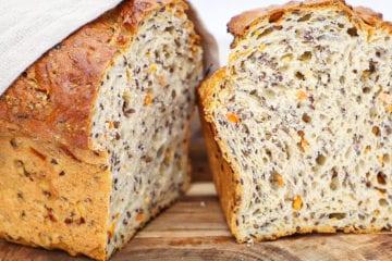Gulerodsbrød - Opskrift på gulerodsbrød med hørfrø