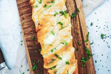Hvidløgsflutes - Opskrift på hvidløgsflutes med mozzarella