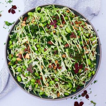 Spidskålssalat - Opskrift på kålsalat med quinoa og edamame