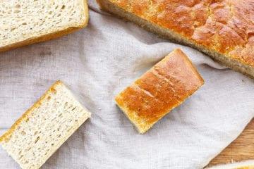 Nemt madbrød - Opskrift på nemt madbrød a la focaccia