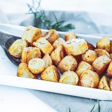 Sprøde pandestegte kartofler - Opskrift på brasede kartofler