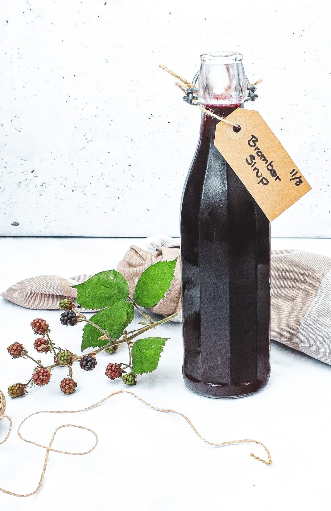Brombærsirup - Opskrift på brombærsirup med stjerneanis