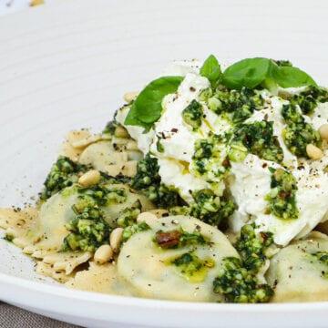 Ravioli - Opskrift på hjemmelavet ravioli med spinat og ricotta