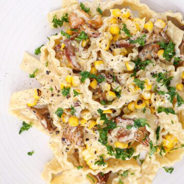 Cremet pasta med kantareller - Opskrift på nem pastaret