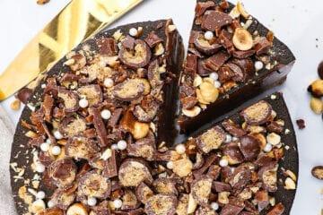 Chokolade cheesecake - Opskrift på cheesecake med daim og appelsin