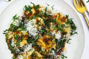 Ravioli med braiserede oksehaler - Opskrift på hjemmelavet ravioli