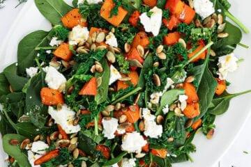 Spinatsalat med bagt græskar - Opskrift på bagt græskar med spinat