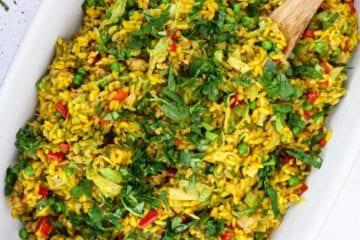 Orientalsk risret - Opskrift på risret med kylling og grøntsager